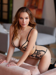 Photo escort girl STELLA the best escort service