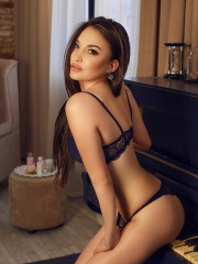 Photo escort girl Komi the best escort service
